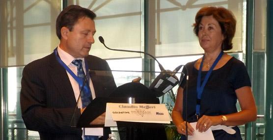 El gemólogo Luis Manuel Lozano recibe en ProDiam el premio Nicolau