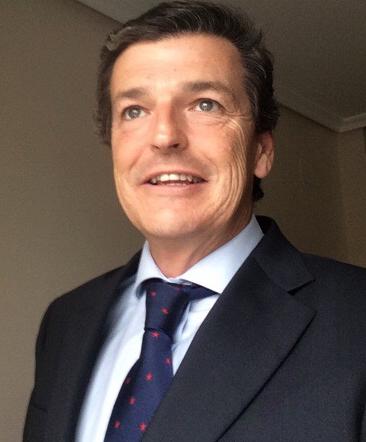 Apodemia ficha nuevo director financiero