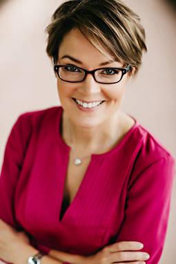 Bernadette Mack es la directora Ejecutiva de la Asociación de Mujeres Joyeras