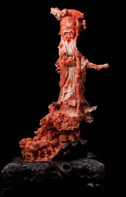 Pieza china labrada en coral, de la colección Liverino en el Museo del Coral, Torre del Greco, Italia.