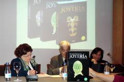 Éxito en la presentación del Diccionario de Joyería