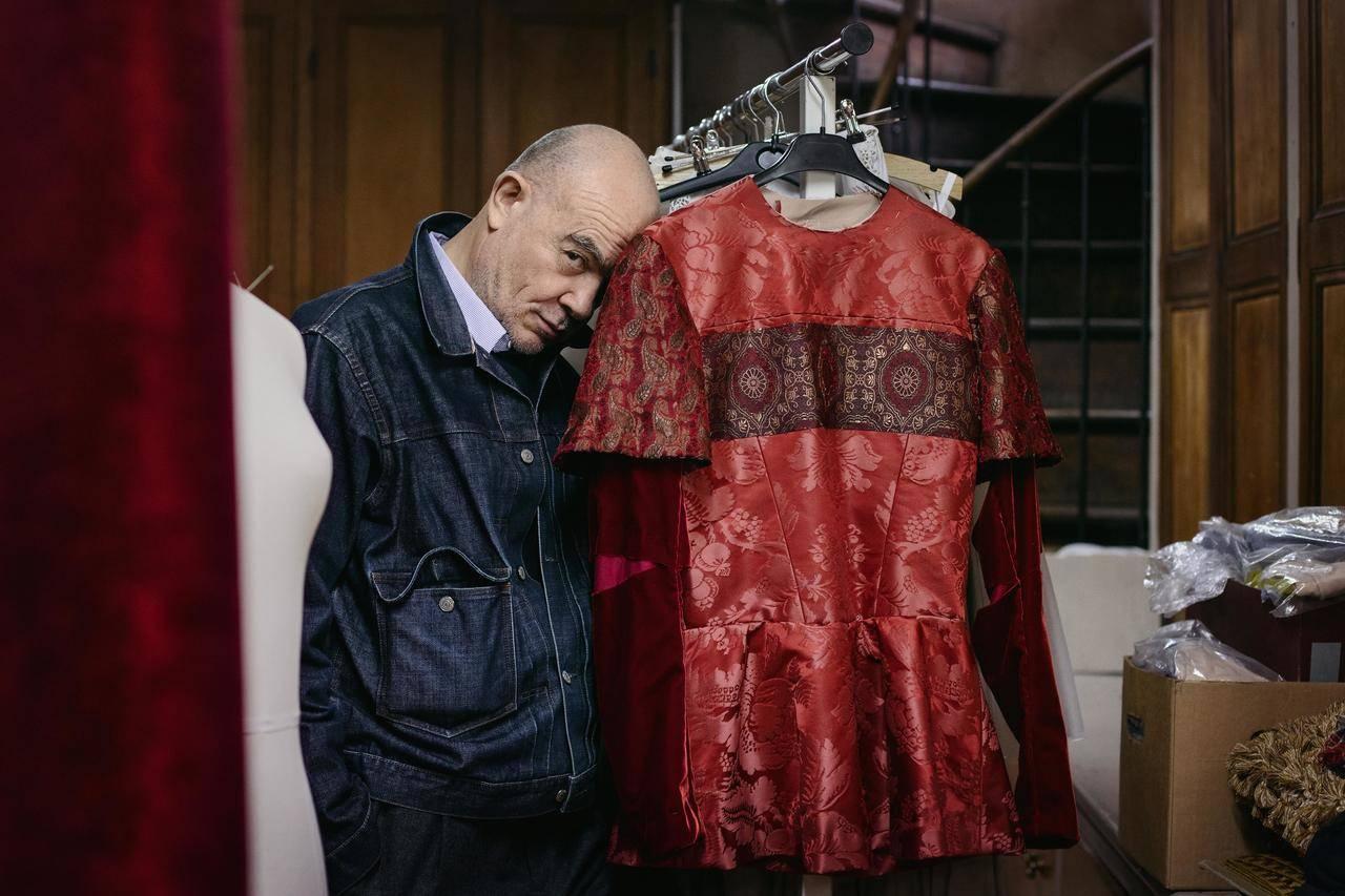 Swarovski emplea un millón de sus cristales para vestir la ópera <em>Sueño de una noche de verano</em>