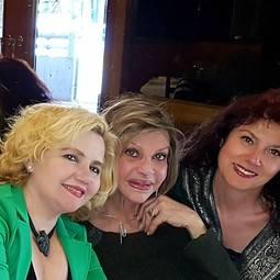 De izquierda a derecha: Raquel Lobelos, Liane Katsuki y Laura Márquez.