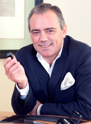 Jesús Yanes deja la presidencia del Instituto Gemológico Español