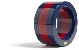 Un anillo de la marca americana Kule, de su colección Navy.