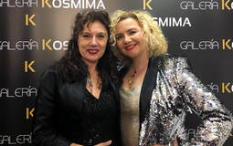 Kosmima celebra su primer aniversario con joyas y pinturas