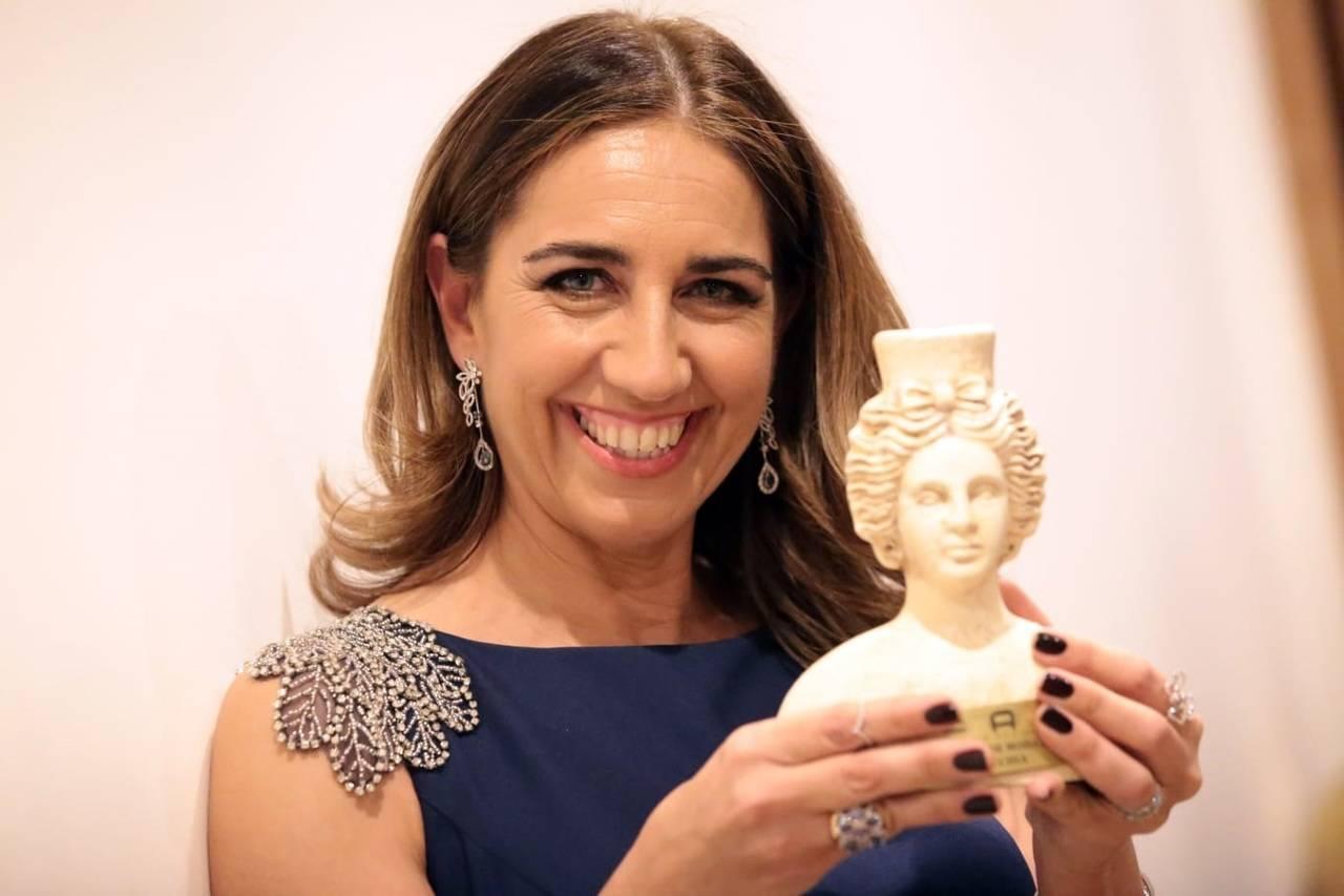 Lissi Fracchia recibe el Premio Prenamo a la Joya de Autor