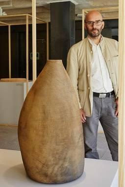 El alemán Ernst Gamperl con su trabajo ganador 'Tree of Life 2'.