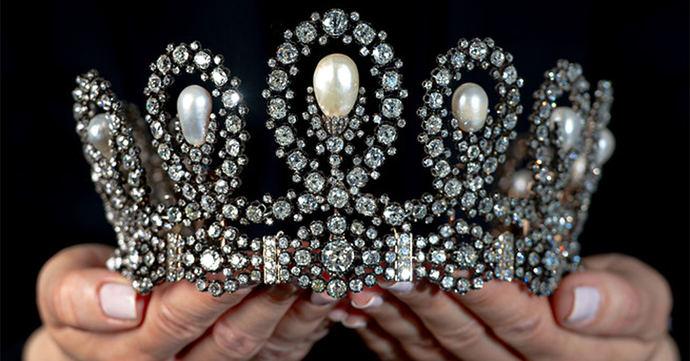 Una tiara digna de una reina (de España) se vende en Sothebys por 1,3 millones