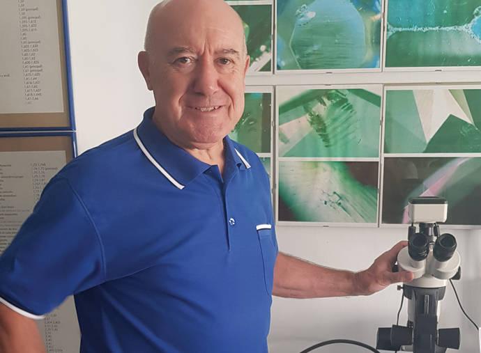 M. Llopis: Desgraciadamente veo muy poco interés hacia la formación gemológica