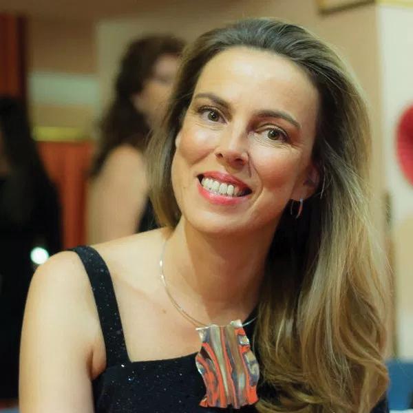 Mubri-España: <em>Nuestra misión es ayudar a las mujeres a avanzar como joyeras</em>