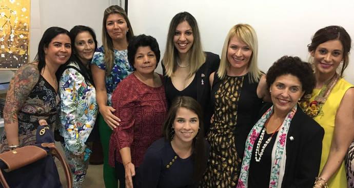 Mujeres brillantes prepara una amplia agenda en 2018