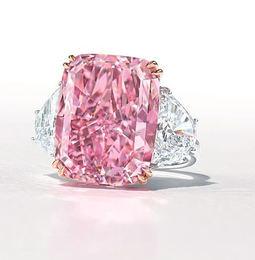 Los diamantes de color vuelven a brillar en las subastas