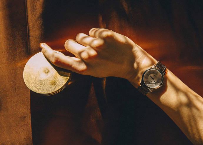 Suárez lanza un nuevo reloj de inspiración Bauhaus