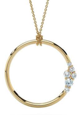 Colgante en oro amarillo con diamantes sintéticos de Swarovski, de su línea con gemas creadas en laboratorio, Diama.