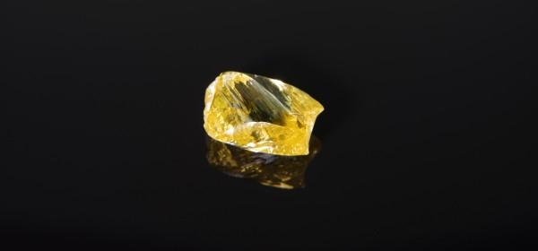 Alrosa extrae el primer gran diamante amarillo de su nueva mina siberiana