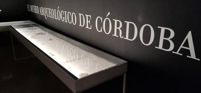 Córdoba expone un tesoro del Califato recuperado gracias a Internet con filigranas de hace 20 siglos