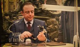 Amberes homenajea los 100 años de la talla Brillante: 57 lapidarios para un diamante
