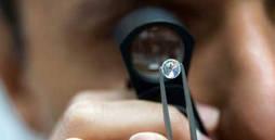 Certificación de diamantes en el laboratorio del IGE