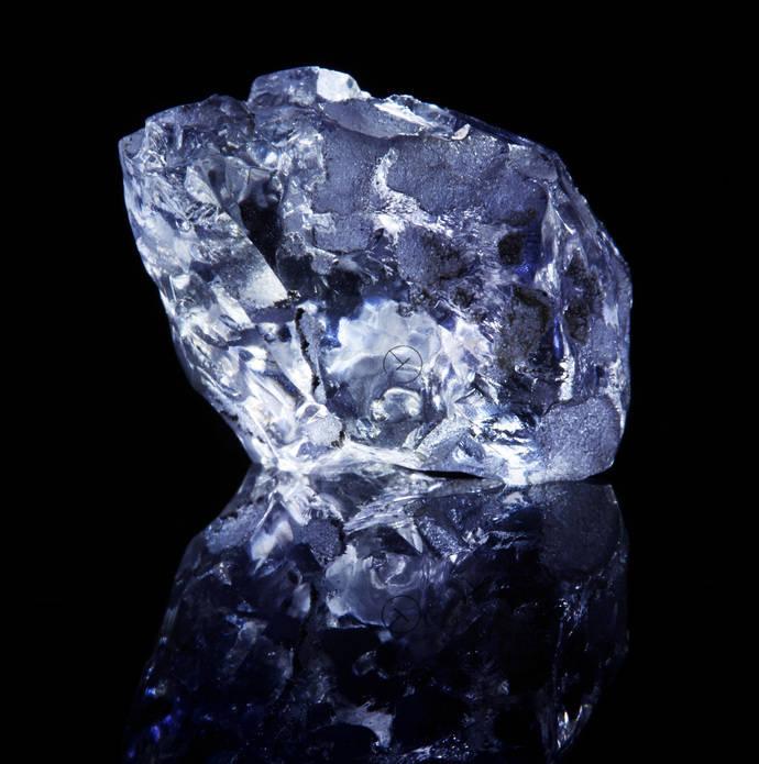 Rarísimo ejemplar de diamante violeta en Australia