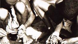 Trabajadores recolectando perlas en el país-isla del Golfo pérsico.