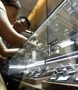 La mayor bolsa de diamantes del mundo acepta vender sintéticos