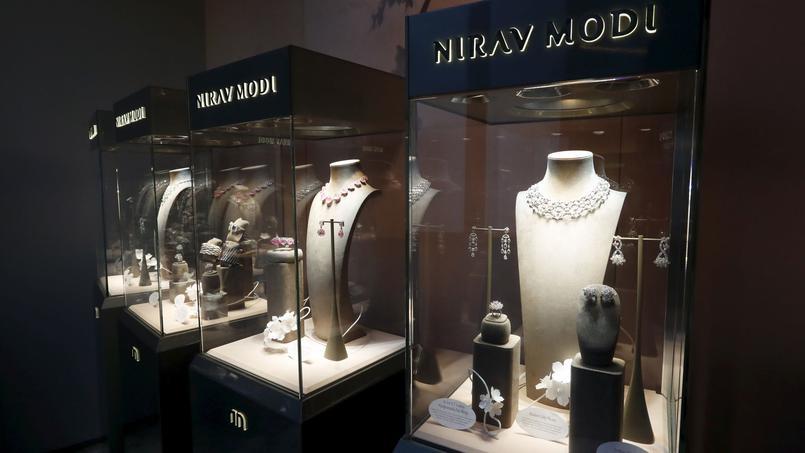 La <em>Biennale des Antiquaires</em> de París transforma el Grand Palais en un Museo