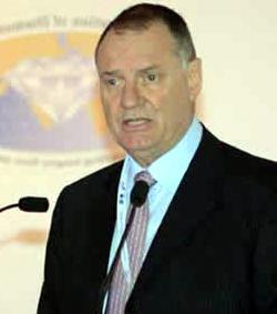 El expresidente de las Bolsas de Diamantes gana el primer asalto contra la entidad