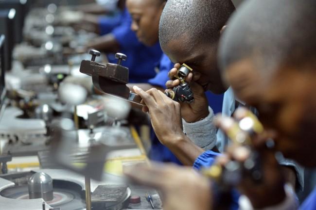 De Beers sacrifica a una parte de sus compradores para dar mayor valor añadido