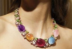 Collar Prodigious Color: opulencia en su máximo esplendor