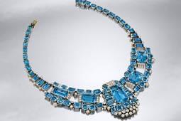 Un collar de Cartier triplica su precio en subasta