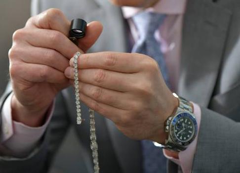 Nace un gigante del mercado secundario de joyas y relojes