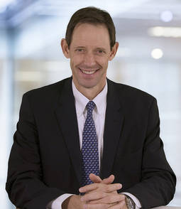Bruce Cleaver es el CEO de De Beers.