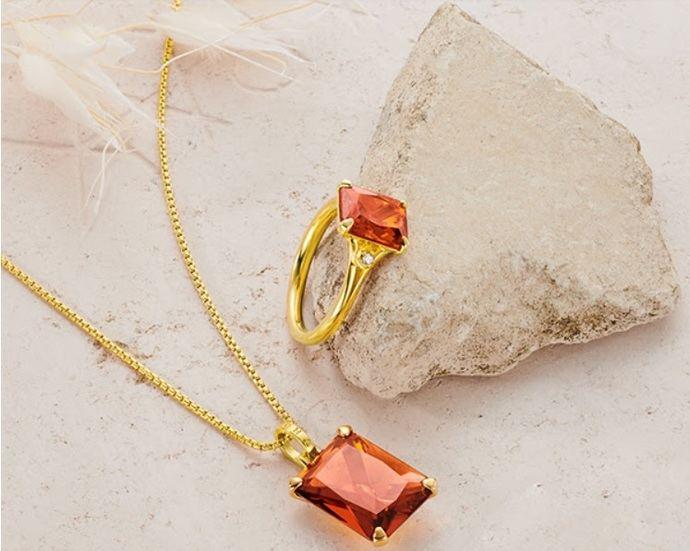 Las joyas elegantes de este otoño eligen el color cognac