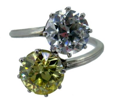 La fantasía de tener un diamante fancy. Los diamantes de color