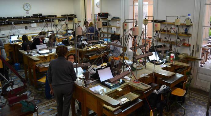 La Escuela de joyería del Colegio de Cataluña recibe un premio a la Artesanía