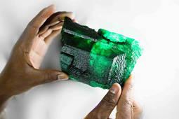 Gemfields descubre una esmeralda de 5.655 quilates