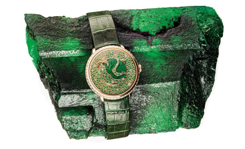 Fabergé homenajea con un reloj a las esmeraldas de Zambia