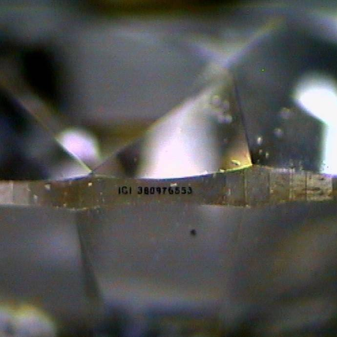 El laboratorio MLlopis neutraliza un intento de estafa con un diamante sintético