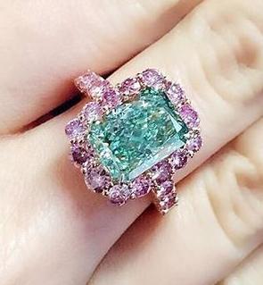 Un raro diamante verde, a subasta