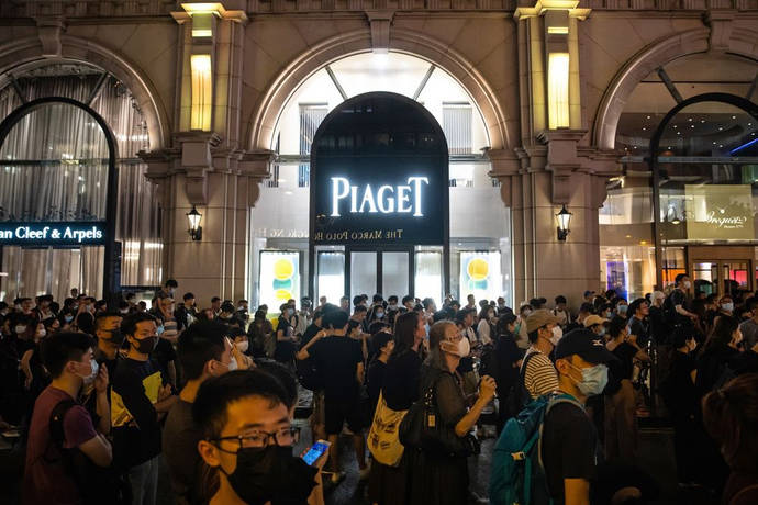 El conflicto en Hong Kong desploma las compras de relojes suizos