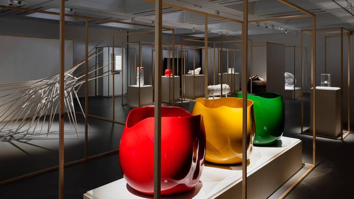 Exposición de las obras finalistas del Loewe Craft Prize 2018 en el Design Museum, Londres