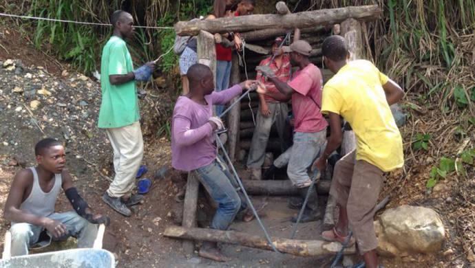 La minería artesanal de metales y gemas se dispara