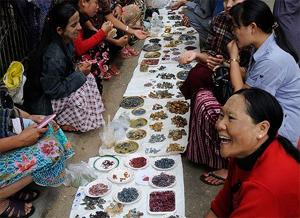 Fin a las restricciones del jade y los rubíes de Birmania