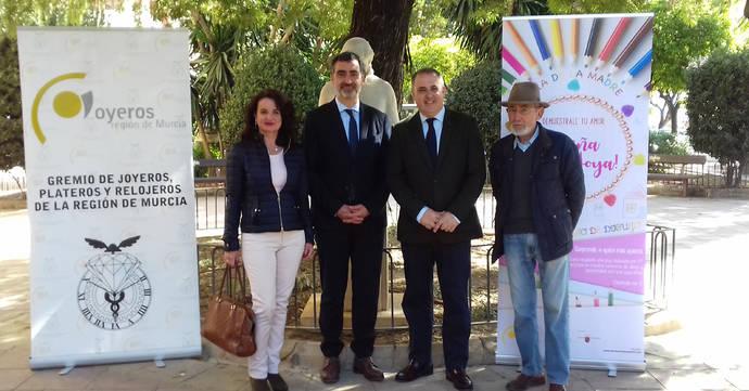 Presentación oficial del concurso de diseño de joyería destinado a los escolares de la Región de Murcia.
