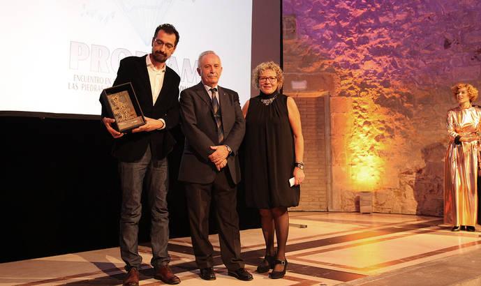 ProDiam recibe un premio por sus 20 años de difusión de la Joyeria y la Gemologia