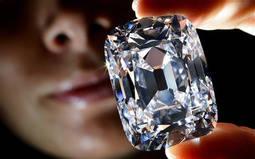 El 90% de las mujeres prefiere los diamantes <em>reales</em>