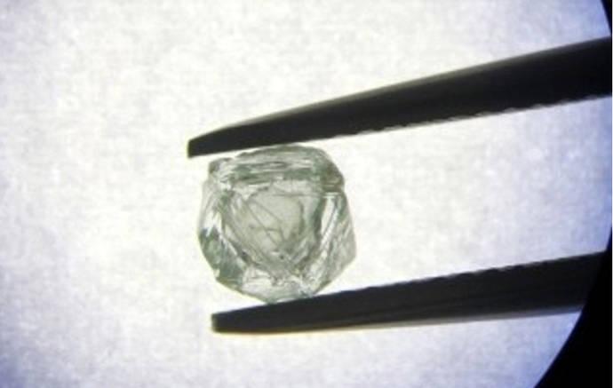 El GIA desvela el misterio del diamante ruso Matryoshka