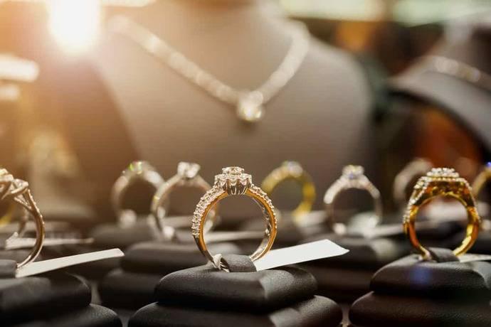 La mayor joyera del mundo ya estudia abrir una línea con diamantes sintéticos