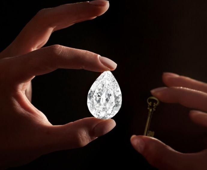 Anónimo gasta 12,3 millones en un diamante de 101 quilates y paga en criptomoneda en Sotheby's
